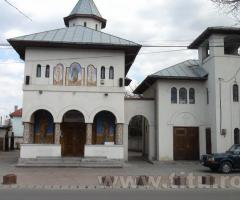 Biserica Sf. Ioan Botezatorul , Titu Gara .