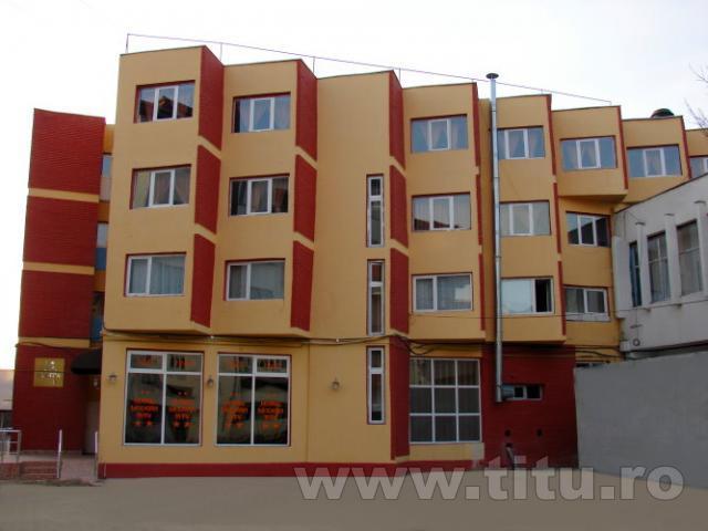 Hotel Modern Titu
